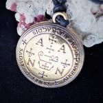 Amuletas apsaugai nuo netinkamų, klaidingų finansinių sprendimų             Užsakymo kodas: 122151      Kaina: 32,50€
